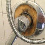rubinetto rotto.