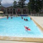 une des deux piscines extérieure