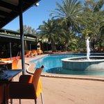 swimmingpool and restaurant