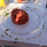 Here's that famous tartare...