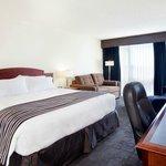 Sandman Hotel Montreal - Longueuil
