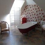 En-suite roll top bath