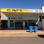 Cafe Crema on Oak