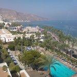 Vista de la piscina y playa
