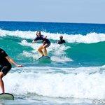 Foto de Coolum Surfing School