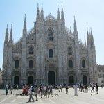 """Centro turístico en Milán """" visita al Duomo """""""