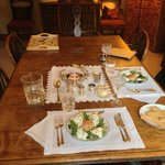 La splendida cena, in tavola la mousse di salmone