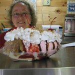 Foto de Sundaes Ice Cream Shoppe