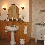 bathroom in gaie bleu