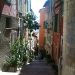 Bike Tour - Tiny Streets of Villefranche - les ruelles de Villefranche
