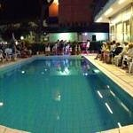 Serata festa in piscina