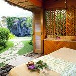 Garden Massage Hale