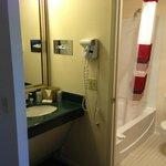 Bathroom/sink area