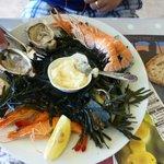 petite assiete de fruit de mer dans le menu à 15 euros
