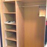 armadio capiente stanza 612