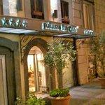 entrance to the hotel palazzo turchini
