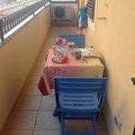 colazione sul balcone di casa