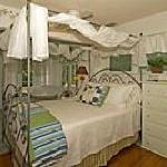 Hibiscus Room