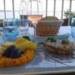 Le plat : filet d'aiglefin grillé et des petits légumes