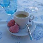 Café et meringue à la violette
