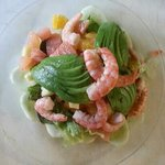 Fruit salad with shrimps and avocado