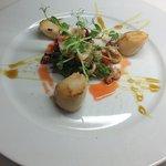scallops&strawberry salad