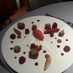 Déclinaison de fruits rouges et de rhubarbe avec son fromage blanc