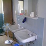 共同浴場の洗面台