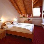 Zimmer / stanza / sleeping room