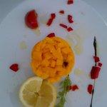 Tartare de Daurade à la Mangue et Yuso, Salade de jeunes Pousses