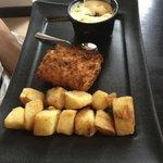 Cabillaud en croute de cornflakes, sauce tartare