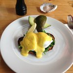 Eggs Florentine with avocado