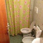 """un particolare della """"cabina doccia""""...."""