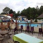 le parc aquatique et ses toboggans