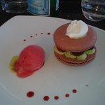 Macaron framboise et cremeux pistache, un dessert succulant !