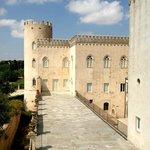 Il Castello di Donnafugata a 40 minuti da Balarte.