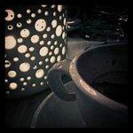 la graziosa lanterna a corredo dei tavoli.