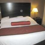 Warm & Comfortable King Bed - room 306