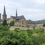 Blick auf den Michaelsberg mit Kirche