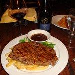 レストランのアンガス牛ステーキ