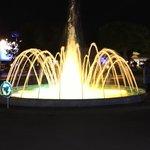 Springbrunnen bei Nacht