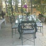 Terrasse  couverte petit déjeuner