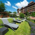 Grand Hotel Park, Gstaad, Garden