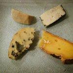 assiette de fromages de pays