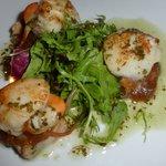 Pan-seared scallops on crispy pork belly = starter