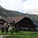 l'Hotel visto dal parco