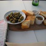 Olives & Italian Bread