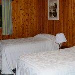 Cabin 27 - room w/2 twins