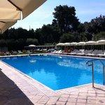 la belle piscine extérieure