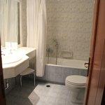 Enorme salle de bain